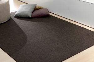 tappeto-contemporaneo-minimal-idea-abitarearreda-01